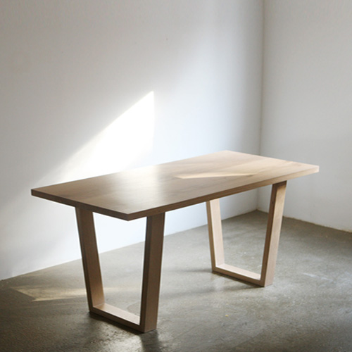 apm oak table